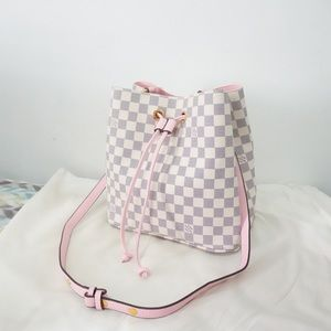Louis Vuitton 11 x 11 x 8 pink azur